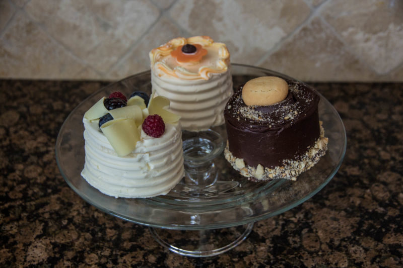 Sweetie pies cake trio (1 of 1)