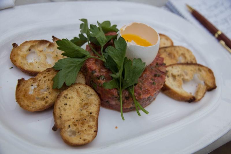 steak tartare (1 of 1)